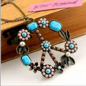 NWT Betsey Johnson Peace Necklace
